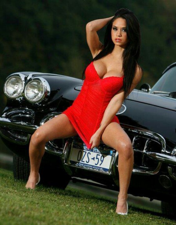 Here casual, hot naked car girl for