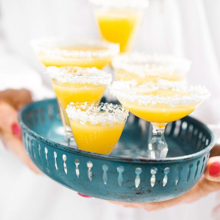Den här drinken smakar sol och semester. Om man inte vill ha alkohol är det bara att utesluta romen.