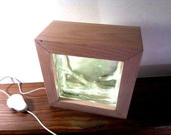 Lampada a led in legno di recupero Magùt di Engardina su Etsy