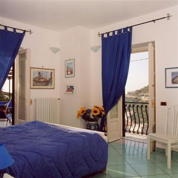 B&B Free Holiday | Nell'incantevole cornice della Costa d'Amalfi si distingue per originalità ed eleganza il b&b Free Holiday a #Minori, la città del gusto. | Presente su www.BedAndBreakfastItalia.com #BnBItalia #BnBCampania #BnB #BedAndBreakfast #BeB #BeBItalia #BeBCampania