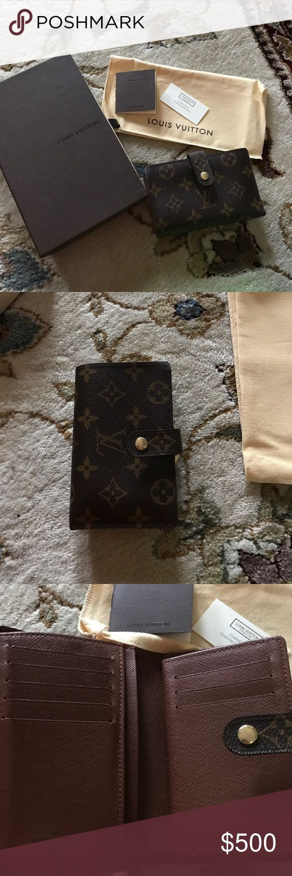 Authentic real Louis Vuitton wallet Real Louis Vuitton wallet. Used once. Too small. No scratches or sis locations. Mint perfect condition. Garmet bag and box. Authentic card. Comes with what u see in pictures. Bought in Las Vegas @ bellagio Louis Vuitton Louis Vuitton Accessories