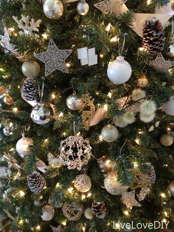 111 best christmas tree ideas images on pinterest for Small gold christmas ornaments
