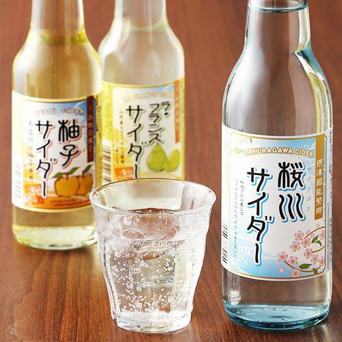 良質な天然水と選りすぐった産地の果汁を使用して作ったサイダーの詰め合わせです。山形産のラ・フランスの果汁感をお楽しみいただけるラ・フランスサイダー。高知県馬路村産の柚子果汁を生かした爽やかな風味の柚子サイダー。良質な天然水を生かしたスッキリクリアな後味の桜川サイダー。炭酸の製法にもこだわった自信作です。