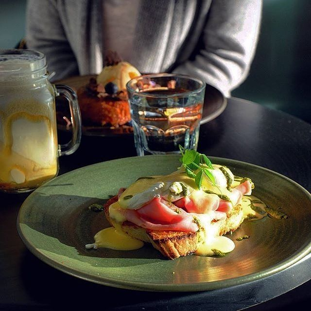 It seems like almost every day there is a new cafe, restaurant or bar opening on the Kingston Foreshore! Instagrammer @paonery enjoyed poached eggs, ham and hollandaise from @7thandbakepatisseriecafe, which has just joined the foodie line-up overlooking the lake. #visitcanberra #tastecanberra