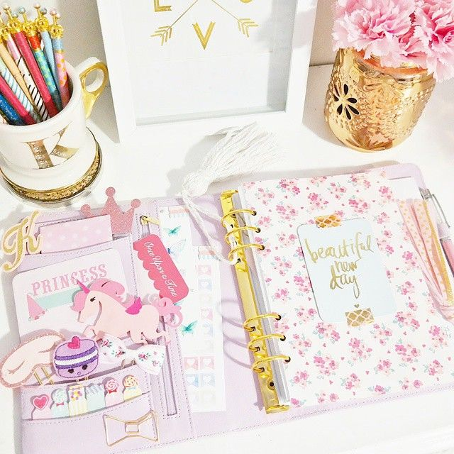 I always go back to a princess theme in my lilac kikki.k Any trends you stick to in your planner? {Shops tagged--ribbon clip, tassel, and dashboard are from my etsy!}