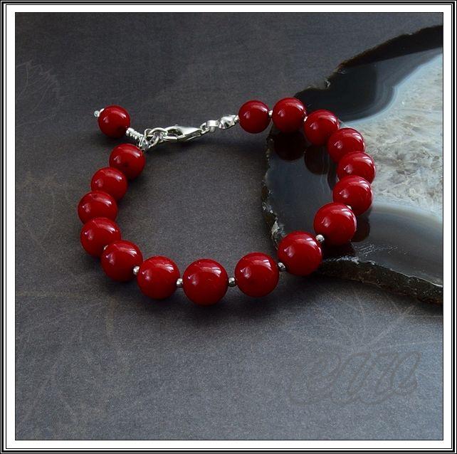 koralowo... kamykowo...: Silver bracelet with red coral.