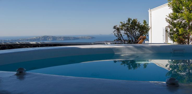 Rent the finest villas in Santorini www.rethinkgreeceretreats.com