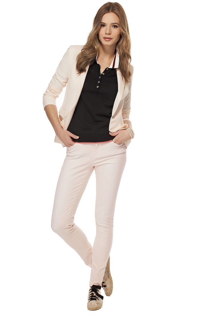 Veston avec peplum au dos rose pâle / Light pink jacket with back peplum https://www.tristanstyle.com/en/femmes/looks/4/fv110c0715brs01/