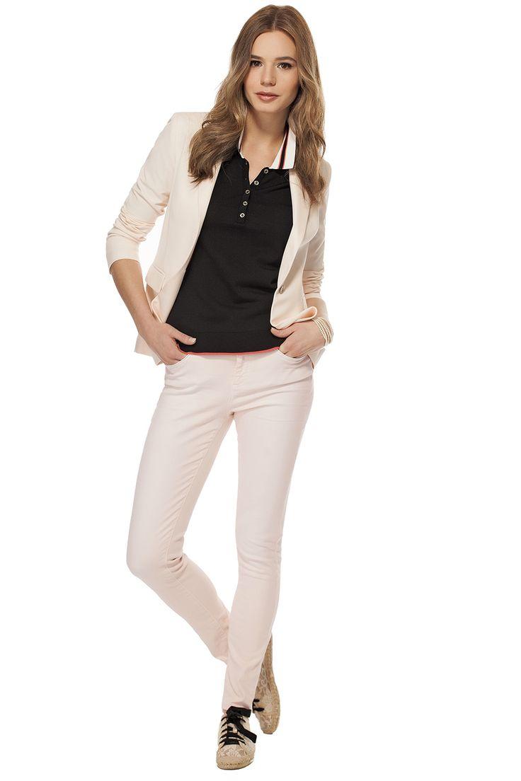 Veston avec peplum au dos rose pâle / Light pink jacket with back peplum https://www.tristanstyle.com/en/femmes/looks/4/fv110c0715brs01/
