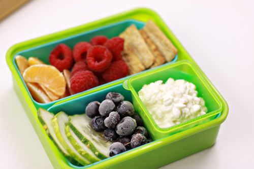 Kids school lunches don't get much healthier than this. What a nice combination of healthy finger foods!