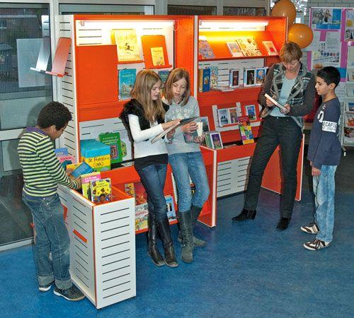 Bibliotheek op school/kunst van lezen - info collectie - uitleen - etc. etc.