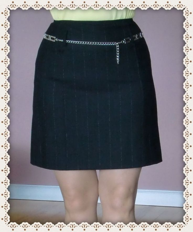 Skirt Judy Hornby NEW Elegant  Fashion Style  Striped Fabric Off Black  Size 6 #JudyHornby #Mini