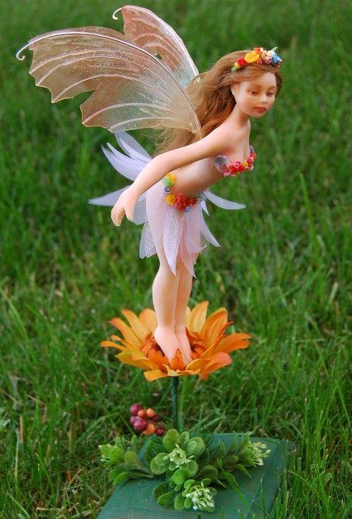 Polymer clay sculpturePolymer Clay Sculptures, Fairies Gardens, Clay Fairies, Clay Critter, Fairies Dolls, Polymer Clay Art, Polymerclay Ideas, Sculpture Art, Gardens Fairies