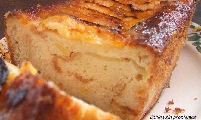 Puding de pan,magdalenas...con manzanas.