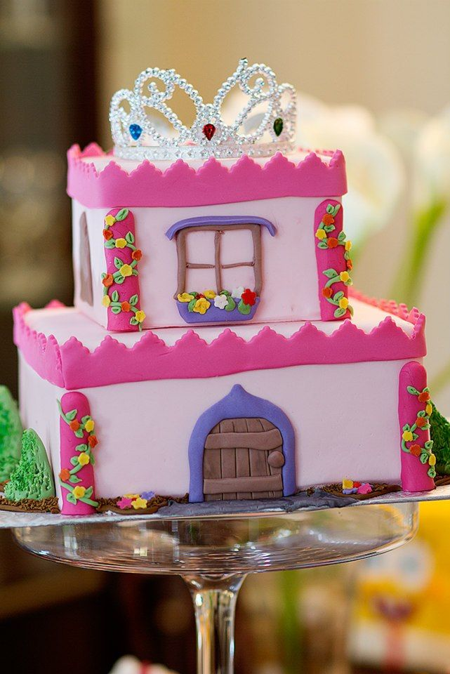 Little Girl castle cake