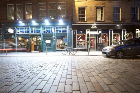 Merchant City, one of the oldest quarters of Glasgow and the cultural heart of the city, the area is characterised by buzzing bars, luxury apartments, tenement flats, award winning restaurants, design shops and artist galleries.