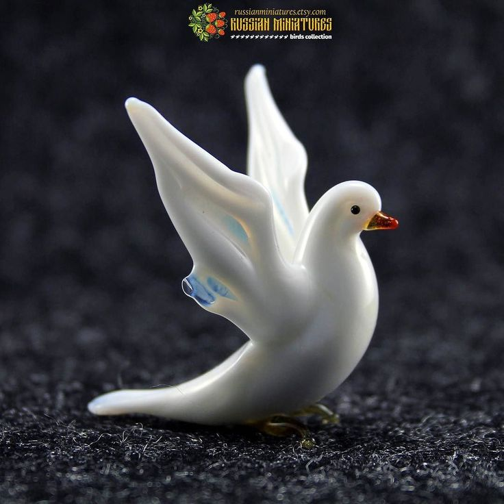 Color Glass dove bird. Just a little beautiful puppyCheck out here:https://goo.gl/aBQLbY Dog collections: https://goo.gl/SKemA6 -------------- Follow us @russianminiatures if you love glass figurines! Made in  Russia St. Petersburg.Worldwide shipping. Update pictures everyday ! -------------- Follow us on: - https://goo.gl/NKk858 -------------- #russianminiatures #handmade #glass