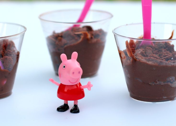 How to make Peppa Pig's Muddy Puddle Snack {  DVD Giveaway} via @mommysnippets