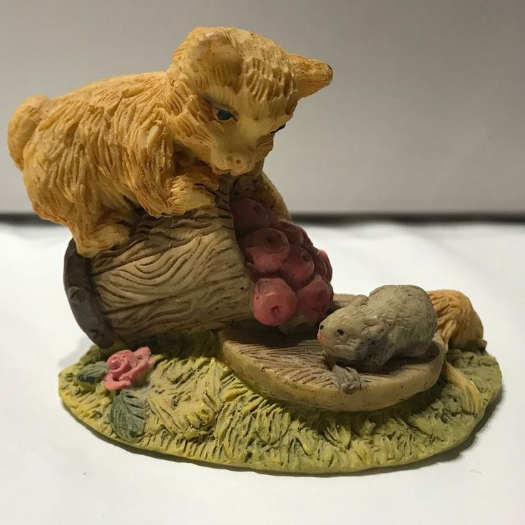 Cat on barrel of apples with mouse miniture collectible 2 inch Sabre Montreal #Sabre