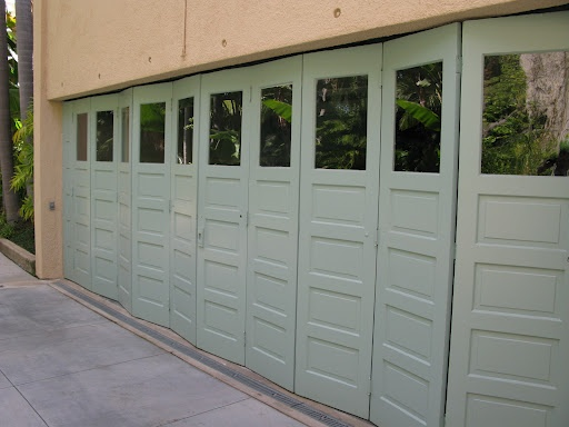 19 best images about garage doors on pinterest beautiful for Beautiful garage doors