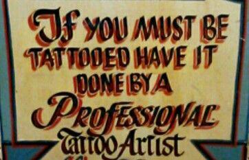 "Boîte de tatoueur ambulant, USA / Expo ""Tatoueurs tatoués"", Musée du Quai Branly, 2014"