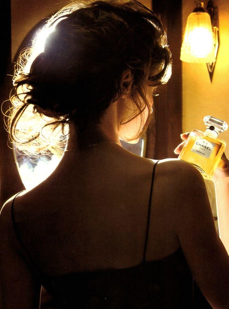 Audrey Tautou by JP Jeunet for Chanel n°5 'Train de nuit'