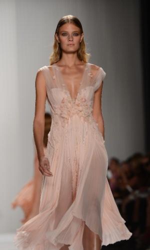 Inspire-se em modelos de vestidos adequados para noivas maduras - Casamento - UOL Mulher