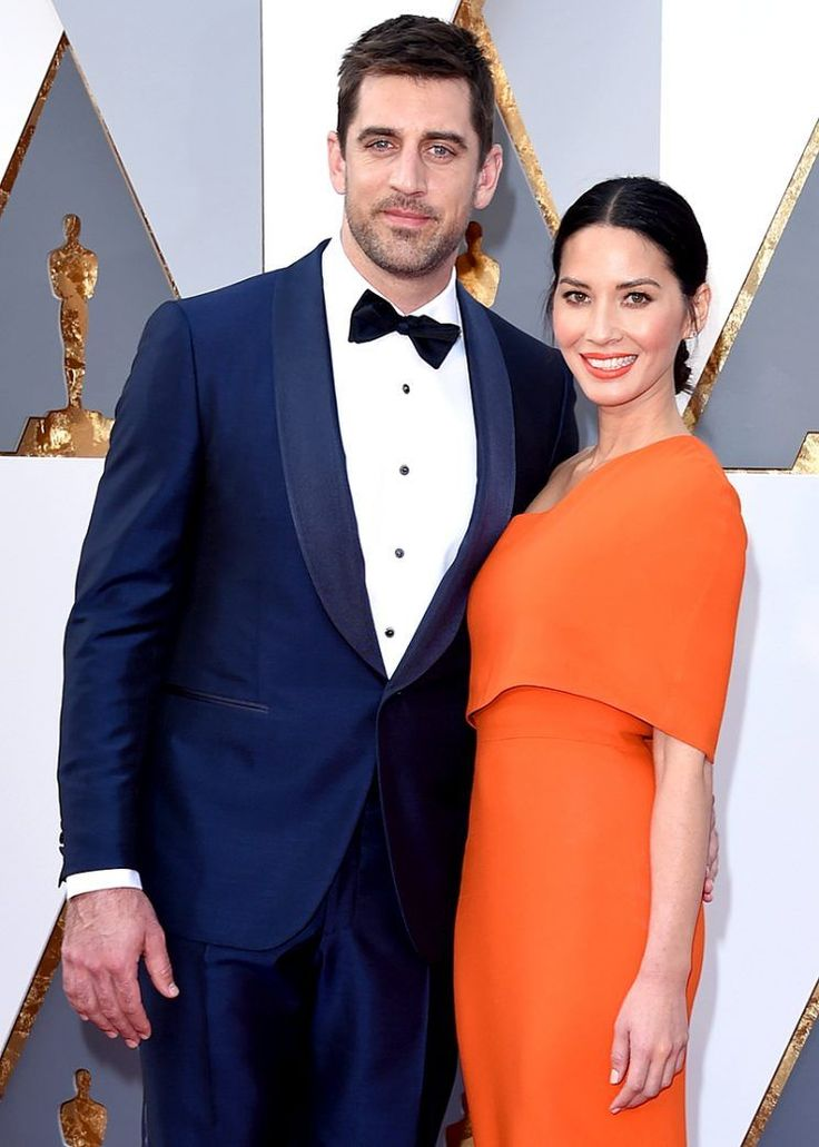 "Olivia Munn is stirring the pot when it comes to Aaron Rodgers's family feud.  ""This team looked liked a family this season- & Aaron Rodgers had a great year, thank you for being his biggest supporter after his family caused so much negative distractions,"" one user wrote, which the actress hearted."