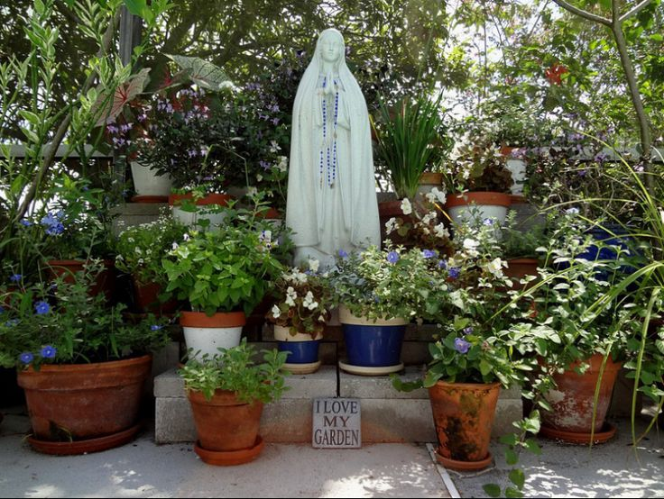 A Marian Garden Made in Heaven | Get Fed | A Solid Catholic Blog to Feed Your Faith