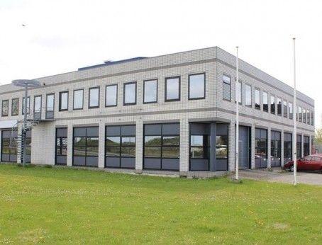 Bedrijfsruimte gecombineerd met kantoorruimte te huur aan de vareseweg 53-59 in Rotterdam.  Deelverhuur mogelijk. Bel 085-4013999 of Reageer online. ( Direct contact verhuurder)   http://www.huurbieding.nl/huur/bedrijfsruimte/1-01174/rotterdam/vareseweg-53-59.html  #bedrijfsruimte #kantoorruimte #tehuur #deelverhuur #huren #rijnmond #huurbieding #opslag #showroom #bieden #huurprijs #vastgoed #zuidholland
