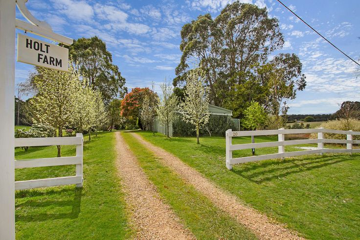 Property details - Newbury 20 Donald Lane