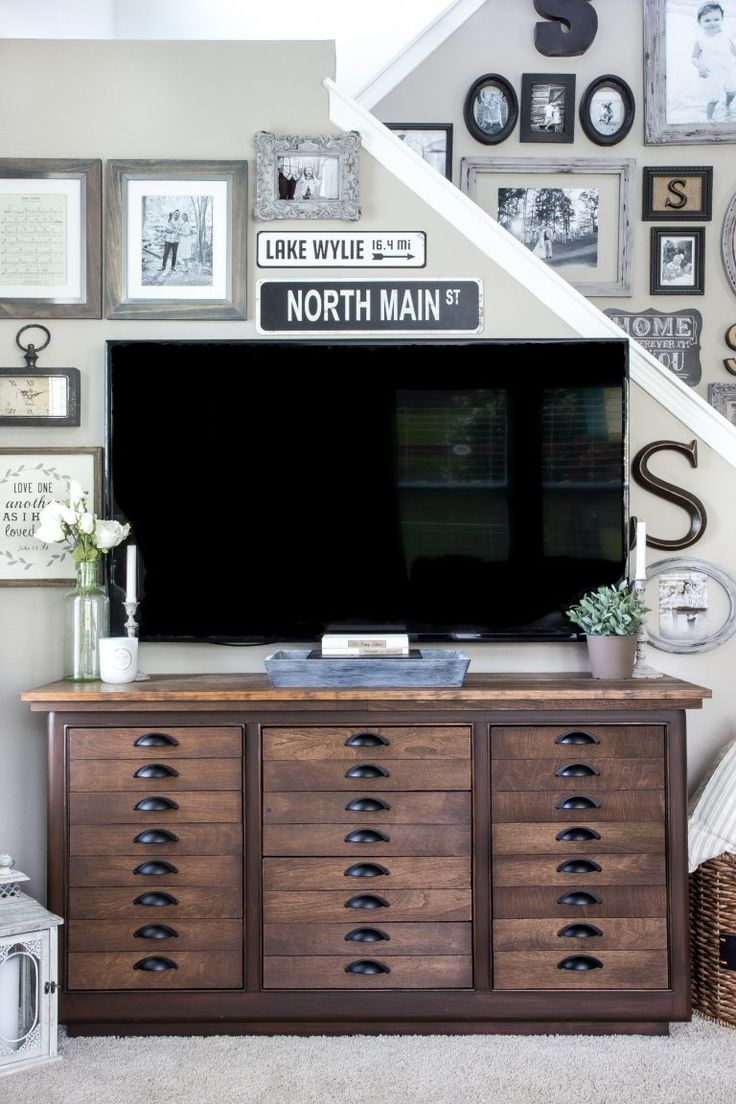 17 best ideas about decorating around tv on pinterest tv wall decor tv decor and mounted tv decor. Black Bedroom Furniture Sets. Home Design Ideas