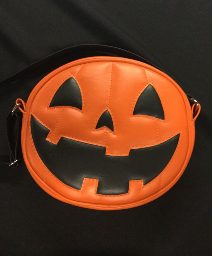 Plain orange happy face pumpkin by LovePainandStitches on Etsy https://www.etsy.com/listing/261865948/plain-orange-happy-face-pumpkin #halloween
