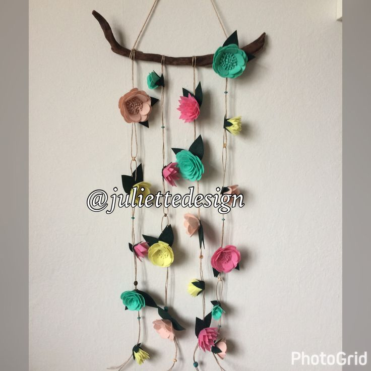 Driftwood Wall Art with Felt Flowers, Floral Wall Hanger, Floral Wall Mobile, Felt Flowers Hanger, Felt Flowers and Driftwood Art by juliettesdesigntr on Etsy https://www.etsy.com/listing/519450541/driftwood-wall-art-with-felt-flowers