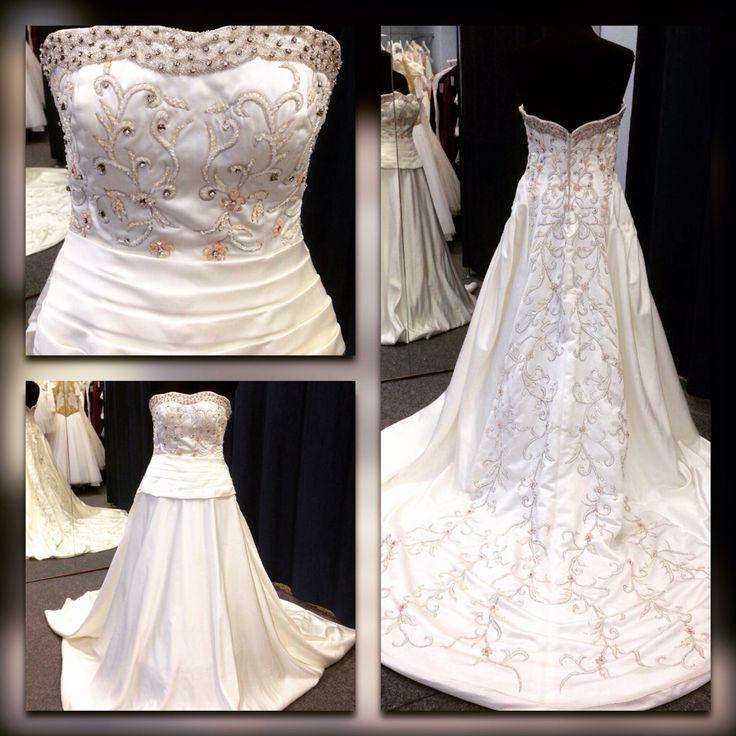 Дизайнерское платье ручной работы. Создано в единственном экземпляре. Хотите стать уникальной невестой, неповторимой и роскошной? Это платье для вас!