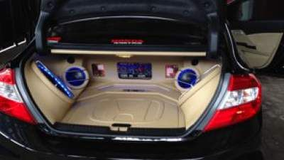 Honda Civic with a new sound system Make this experience