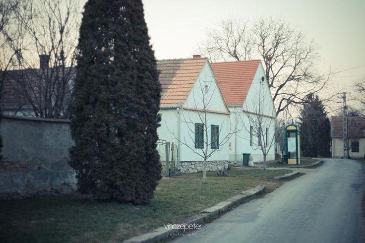 A falu, ahol nem csak 1-1 apartmant, hanem az egész települést ki lehet bérelni csapatépítőkre, esküvőkre vagy más rendezvényekre.