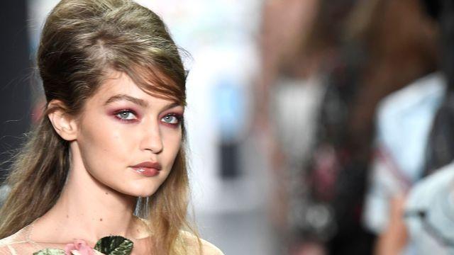 Gigi Hadid agressée à la Fashion Week de Milan s'est défendue avec brio.