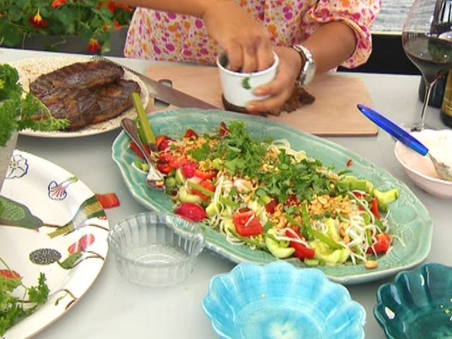 Grillad entrecôte och nudelsallad (kock Jennie Walldén)