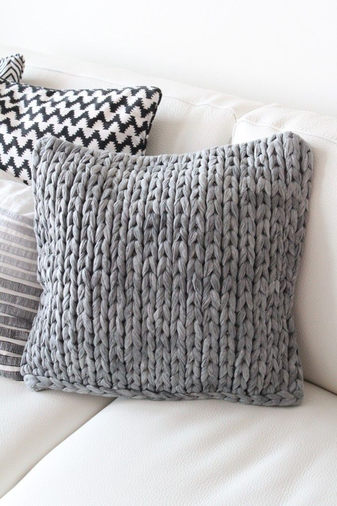 Diy pillow cover: Make or buy some t-shirt yarn grab the huge knitting needles or crochet hooks. Back with some beautiful quilting cotton.
