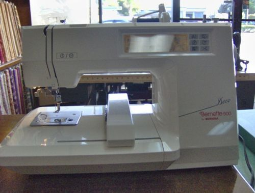 We were particularly impressed by the fact that the Bernina Bernette Deco 600 machine literally sews all by itself. It is equipped with an interactive touch screen, 32 preloaded embroidery designs ...