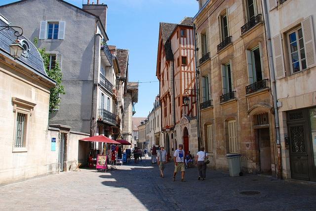 Rue de la Chouette, Dijon, Côte-d'Or, France by Kentishman, via Flickr
