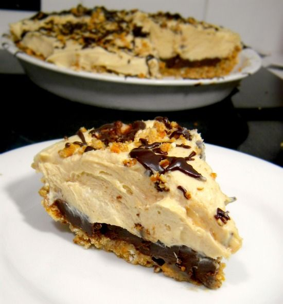 Peanut butter pie with pretzel crust: Delish, Peanuts, Fun Recipes, Pb Pies, Pretzels Crusts, Peanutbutter Pies 2, Sweet Tooth, Peanut Butter, Cream Cheeses