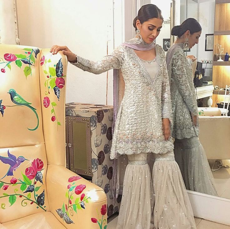 Ayeza Khan on the set of Eid Show Recording   Wearing by #SanaAbbasOfficial Styled by #AnilaMurtaza with Hair and makeup by #AkifIlyas #AyezaKhan #Gorgeous #WhiteSilverQueen #PrettyWoman #PakistaniCouture #PakistaniFashion #PakistaniActresses ✨
