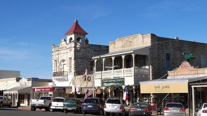 Eating out in Fredericksburg, Tx.....Top 10 Local Restaurants