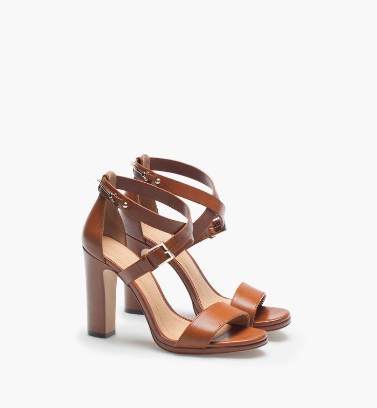 Zara Court Shoe With Metal Plate Heel