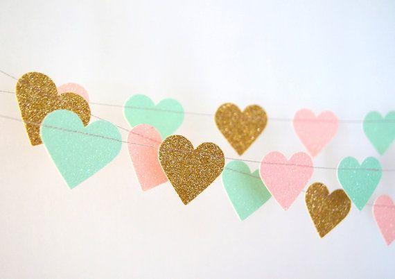Guirnalda de papel corazones brillo en oro Blush y menta
