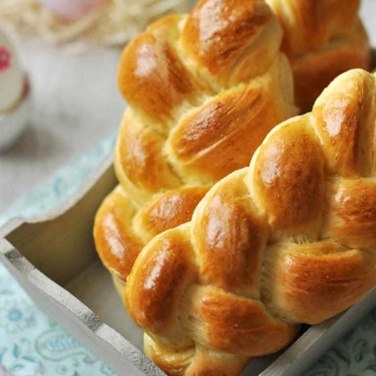 A sonka, torma és főtt tojás mellől nem maradhat le a húsvéti asztalról a kalács sem. Márpedig a kalács akkor a legjobb, ha saját magunk sütjük!