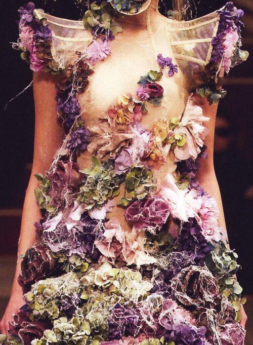 Alexander McQueen Spring 2007 flower details. STUNNING
