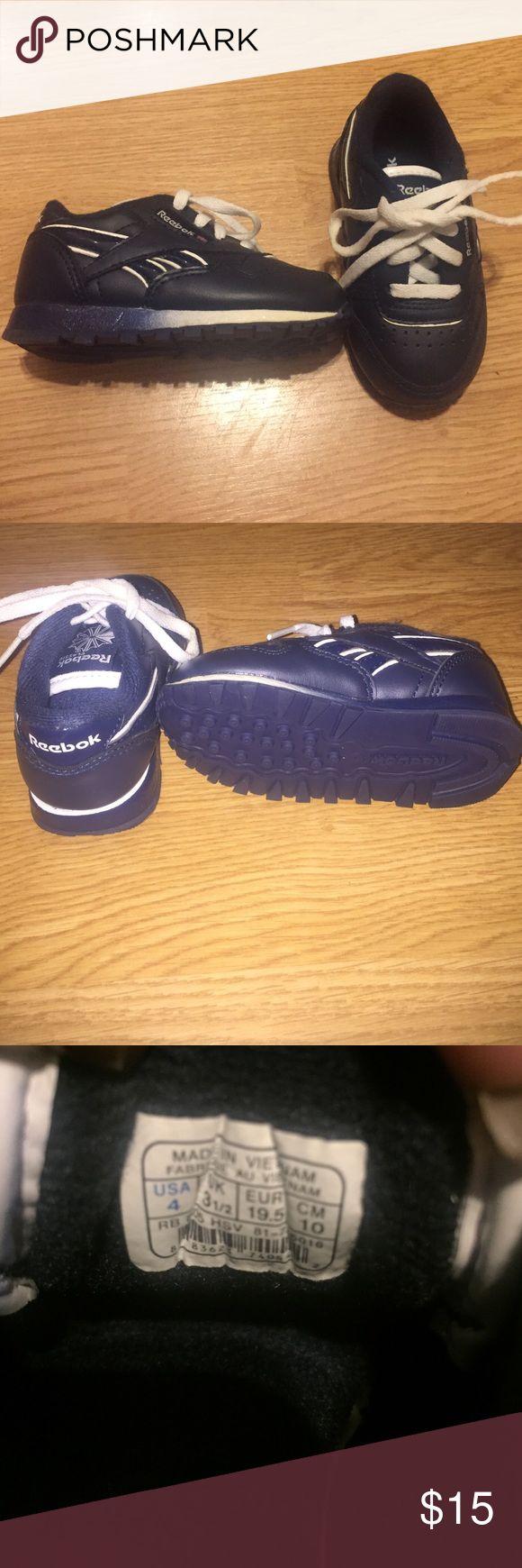 Children's Reebok classic Sneakers Blue children's sneakers size 4 Reebok Shoes Sneakers